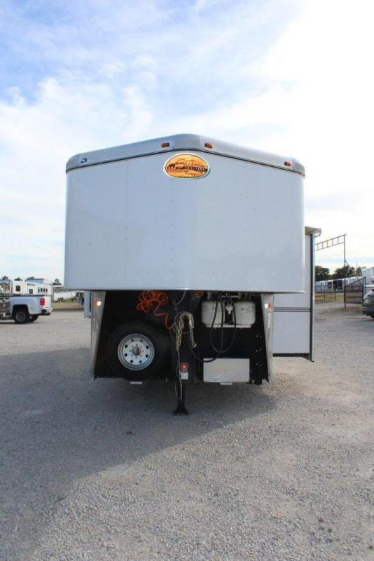 2010 Sundowner 3 horse with 13' LQ with SlideOut