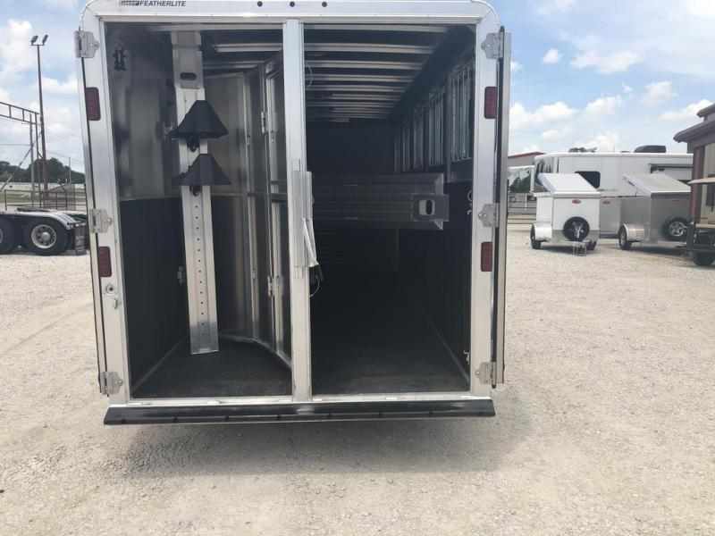 2020 Featherlite 5 horse slant with dressing room