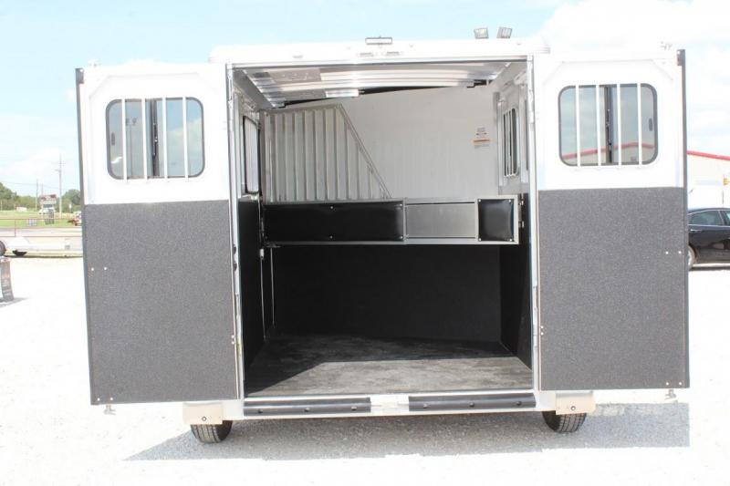 2021 Sundowner Trailers SuperTack Horse Trailer