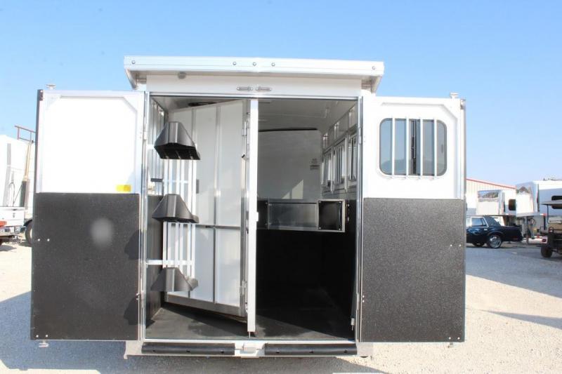 2021 Sundowner 3 horse slant gooseneck