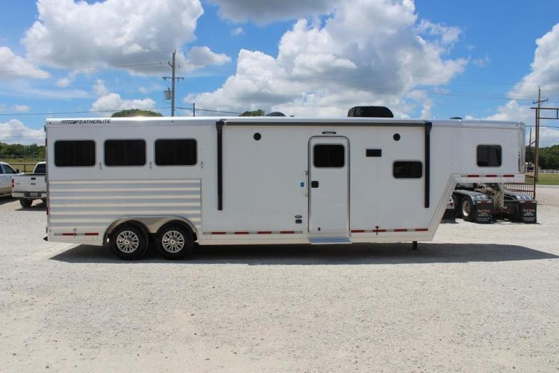 2020 Featherlite 7821 Horse Trailer