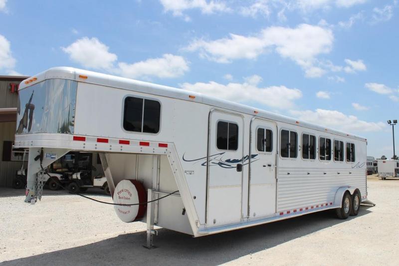 2005 Featherlite 8541 Horse Trailer