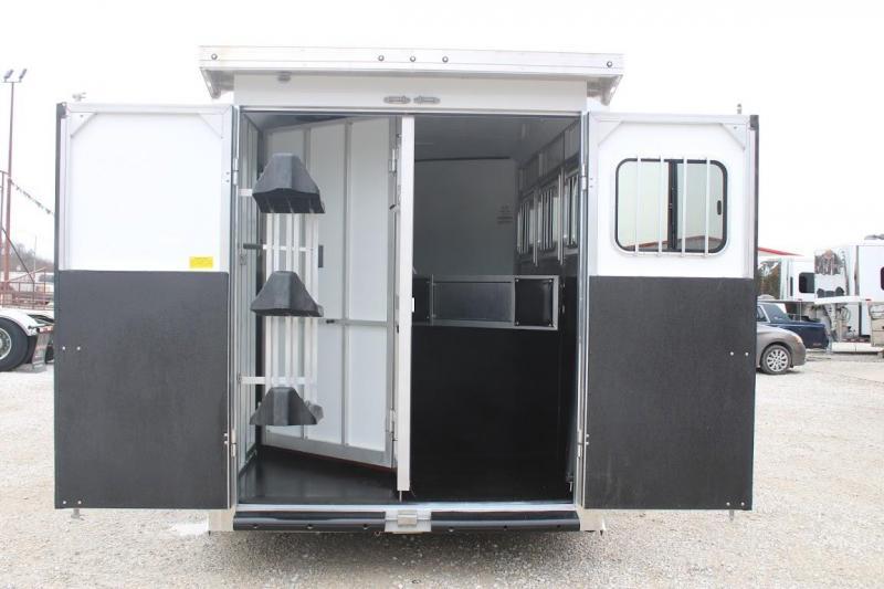 2021 Sundowner 3 horse gooseneck w/dressing room