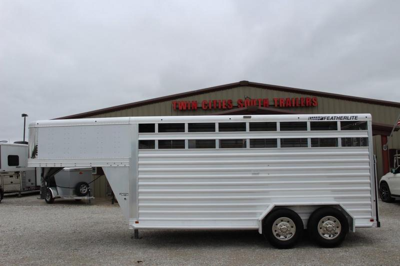 2016 Featherlite 8117 Livestock Trailer