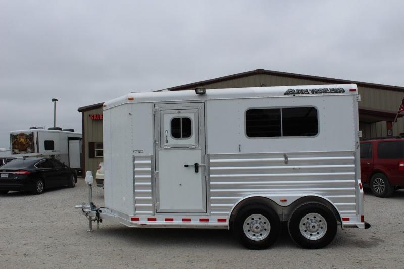 2016 Elite Trailers dressing room Horse Trailer
