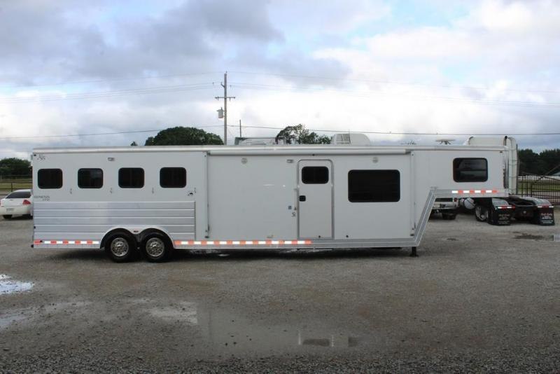 2009 Kiefer 4 horse with 14' Living Quarter