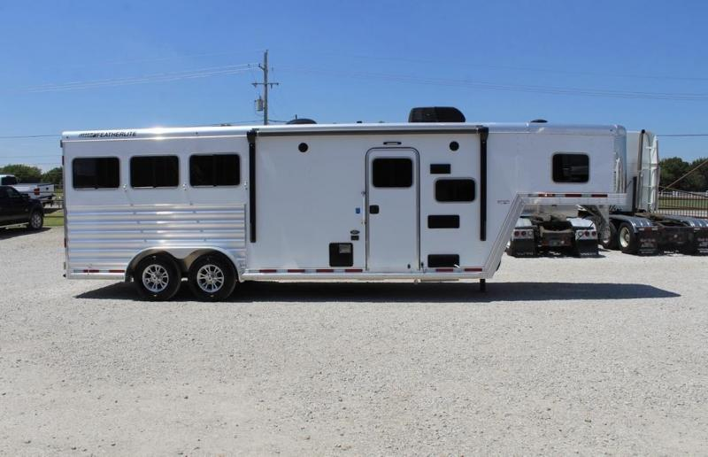 2021 Featherlite 7841-308A Horse Trailer