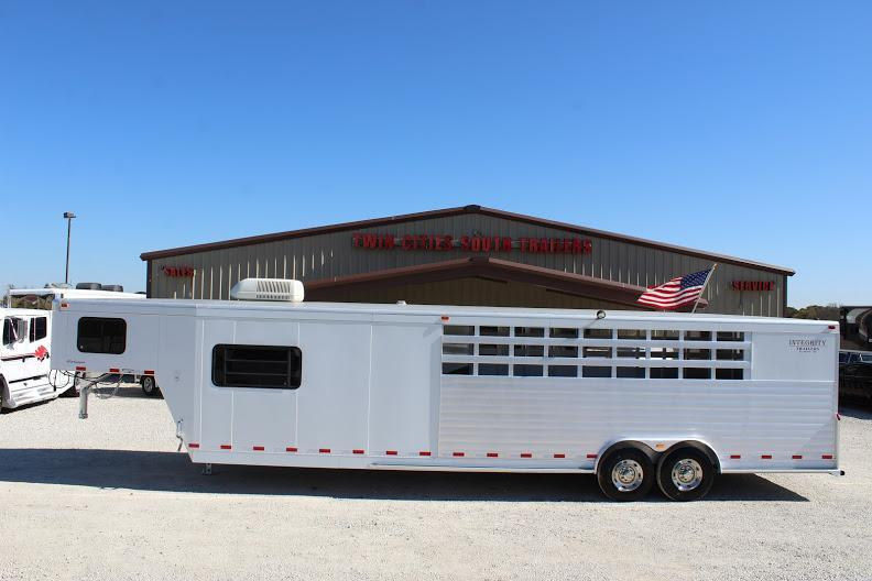 2006 Integrity Trailers Stock/Combo Livestock Trailer