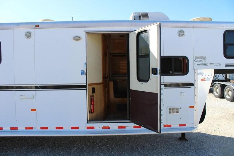 2007 Sundowner 4 horse with 8' LQ