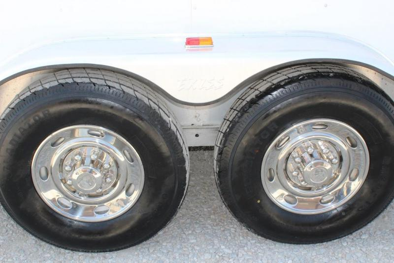 2004 Exiss Trailers XT300 Horse Trailer