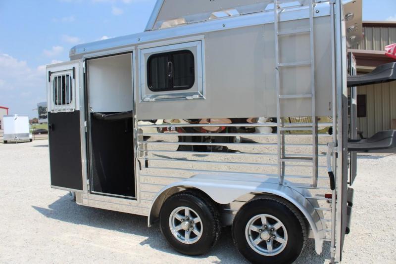 2020 Sundowner 2 horse slant bumper pull