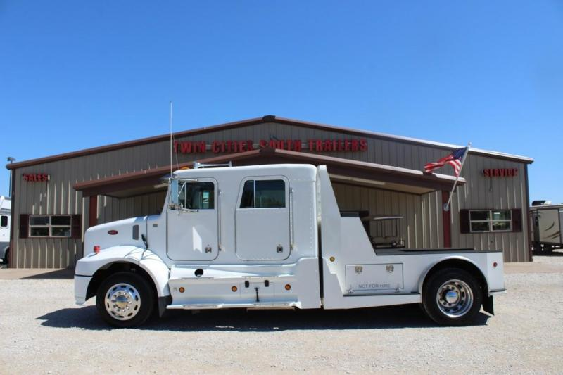 2004 Peterbilt PB330 Truck