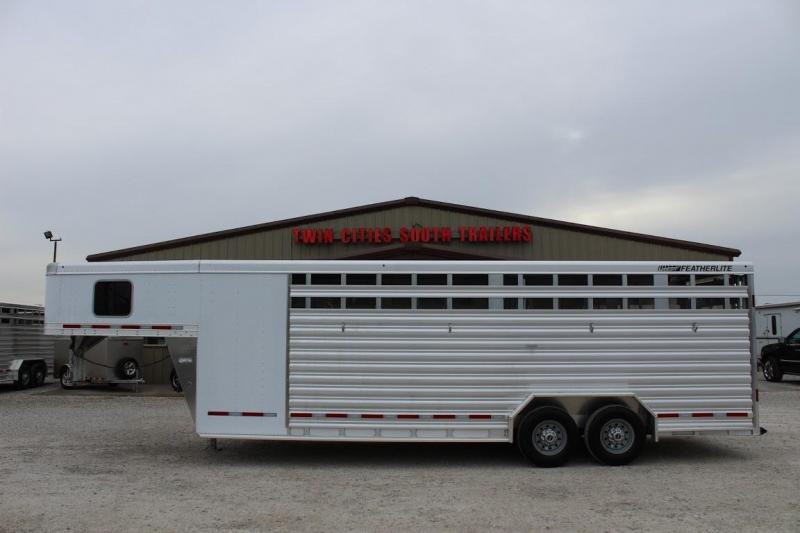 2020 Featherlite 8413 Livestock Trailer