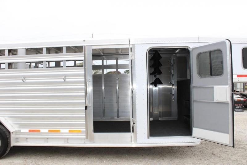 2020 Featherlite 8413 Livestock Trailer