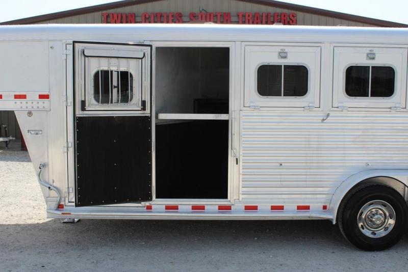 2008 Elite Trailers dressing room Horse Trailer