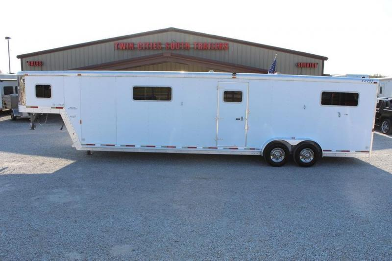 2003 Exiss 4 horse head to head Gooseneck Trailer