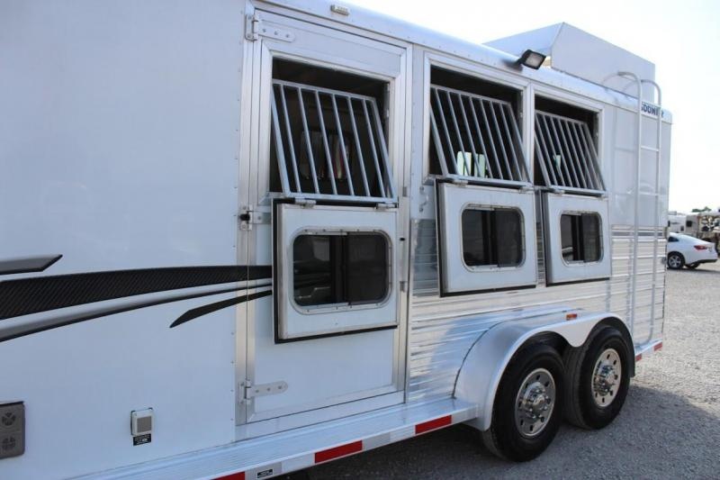 2012 Sooner 3HLQ Horse Trailer