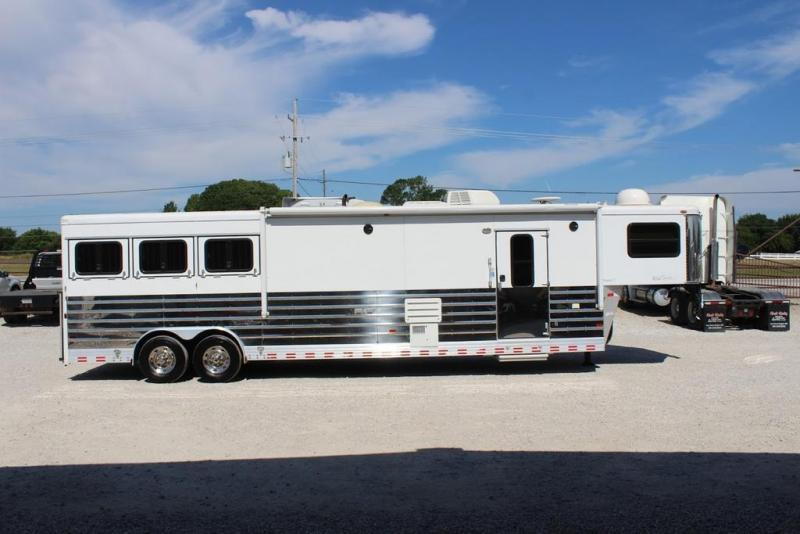 2008 Sundowner3 horse with 14' Living Quarter