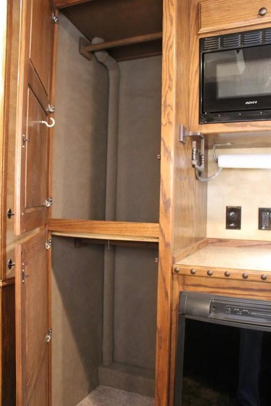 2012 Platinum Coach Living Quarter Horse Trailer