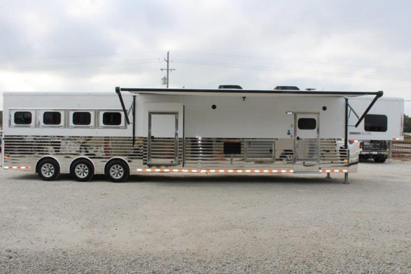 "2019 Sundowner 4 horse wth 20'6"" LQ with 2 Slides"
