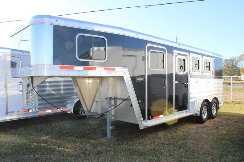 2020 Featherlite 7541 Horse Trailer