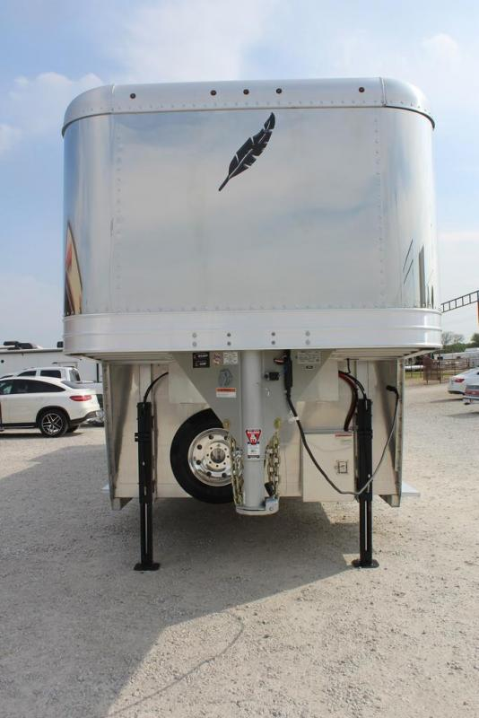 2021 Featherlite 8582 Horse Trailer