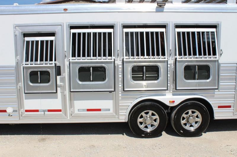 2014 Logan Coach 4 horse with 13' LQ with SLide Out