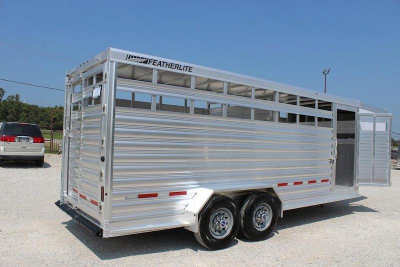 2022 Featherlite 8117 Livestock Trailer