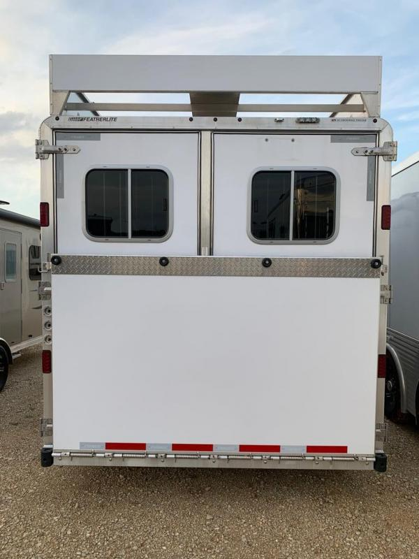 2018 Featherlite 3 horse with 11' Living Quarter