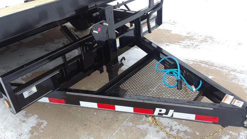 2021 PJ Trailers 16' TILT EQUIPMENT Equipment Trailer