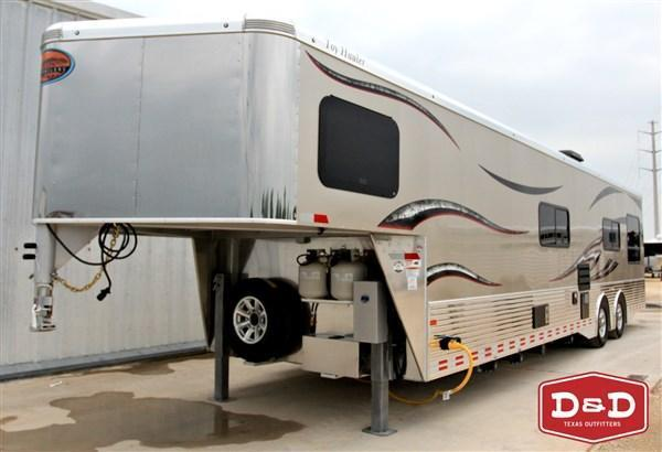 2016 Sundowner 30' Custom GN Toy Hauler