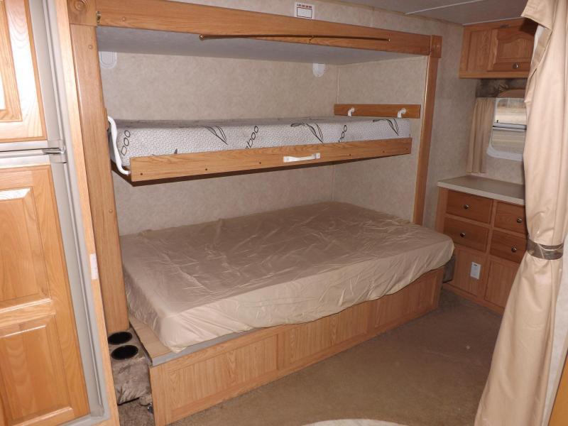 2004 Forest River Rockwood 8318SS Travel Trailer RV