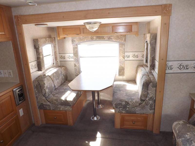 2006 Forest River Rockwood 8272S Travel Trailer RV