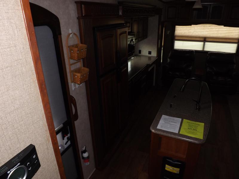 2014 Keystone RV Montana 3155RL Fifth Wheel Campers RV