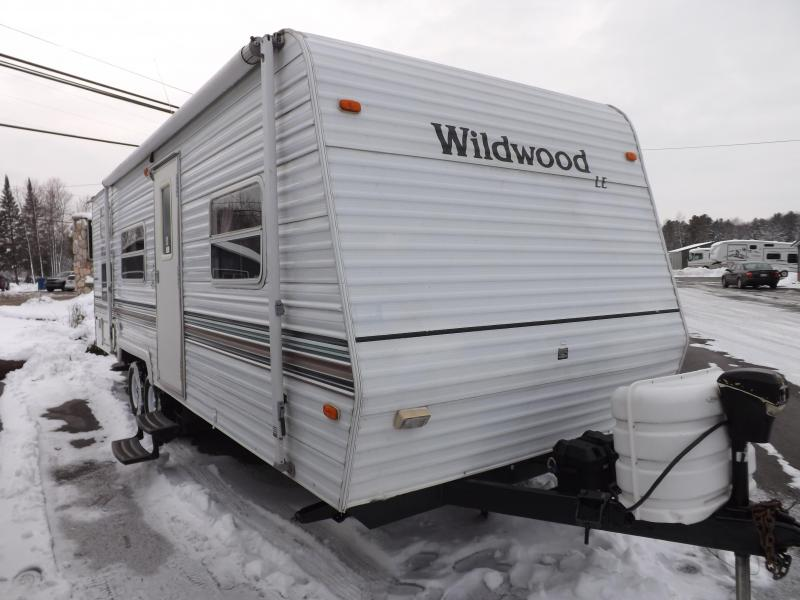 2003 Forest River Wildwood 26BH Travel Trailer RV