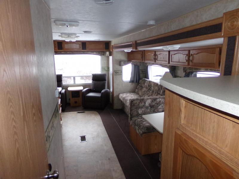 2006 Forest River Wildwood 27RLSS Travel Trailer RV