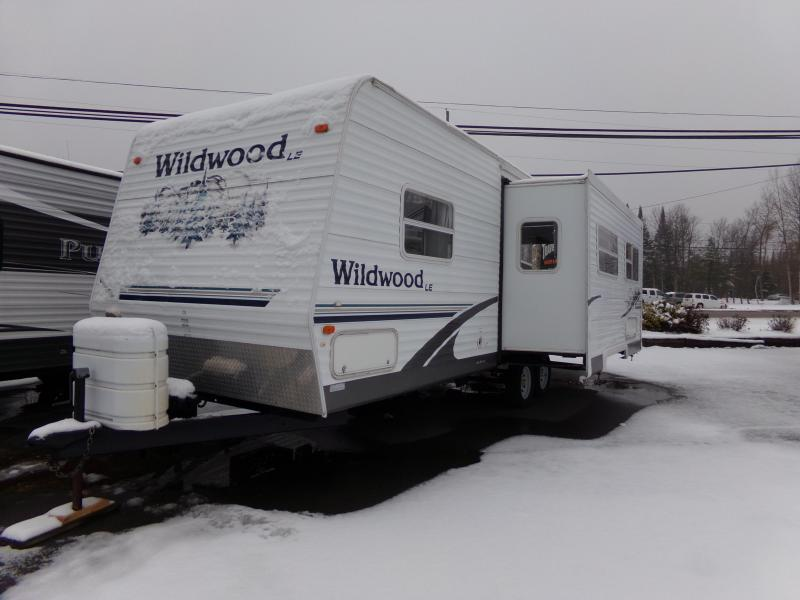 2006 Forest River Wildwood 27RLSS Travel Trailer RV