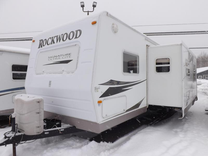 2009 Forest River Rockwood 8318SS SIGNATURE ULTRALITE Travel Trailer RV