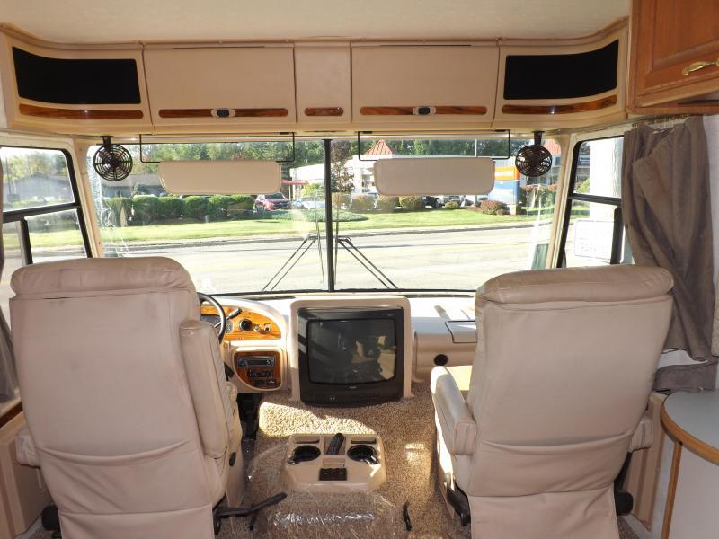 2002 Four Winds Infinity 34E Class A RV