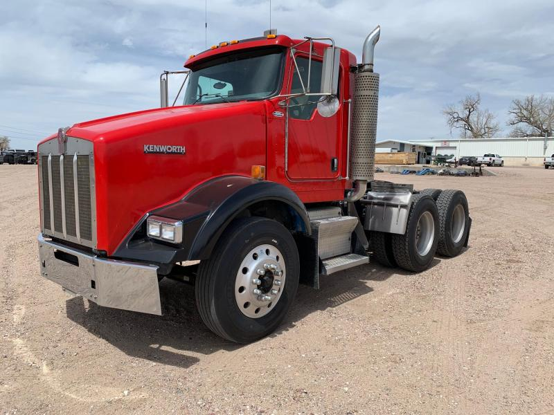 2007 Kenworth T-800 Day Cab