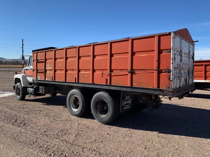 1974 Ford 8000 Grain Truck with 22' Box
