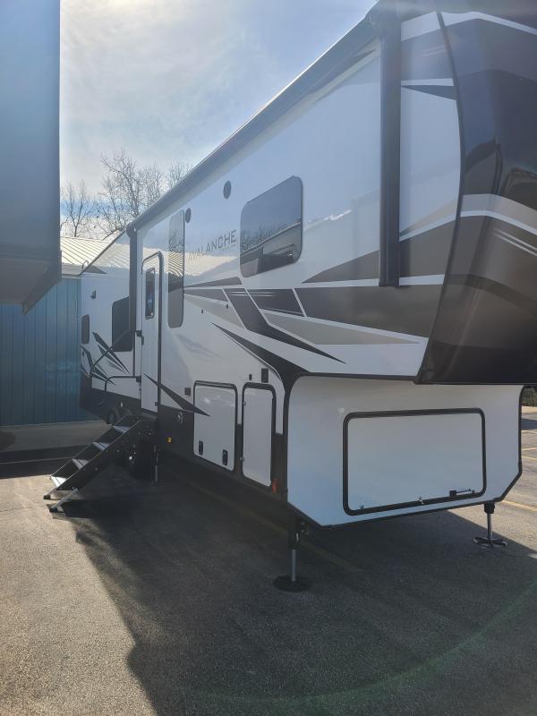 2021 Keystone RV Avalanche 295RK Fifth Wheel Campers RV