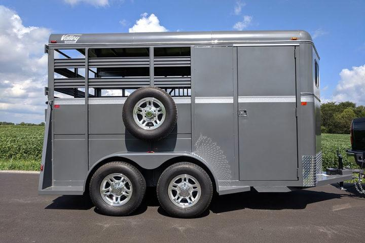 """2022 Valley Trailers 3 Horse Slant Tack 17' x 6'8"""" x 7' (3810) Other Trailer"""