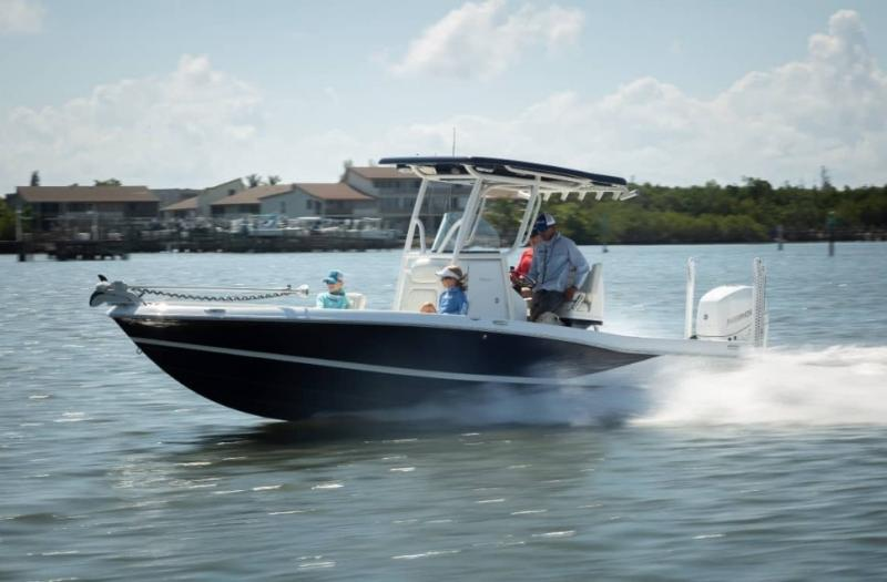2021 Caymas Boats 26 HB Center Console