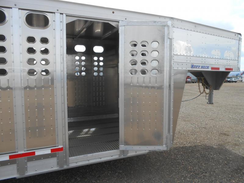 2022 EBY 32' Ruffneck Livestock Trailer