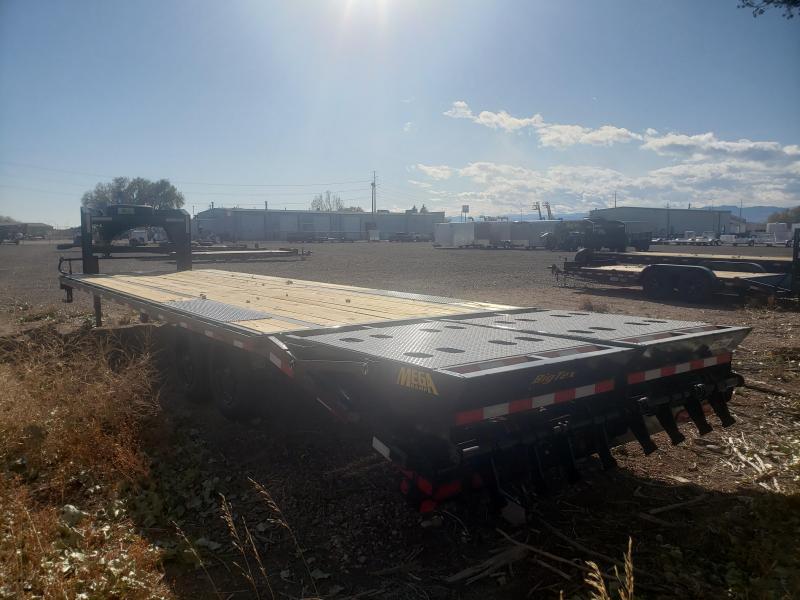 2022 Big Tex Trailers 16GN-25+5MR Gooseneck Flatbed Trailer