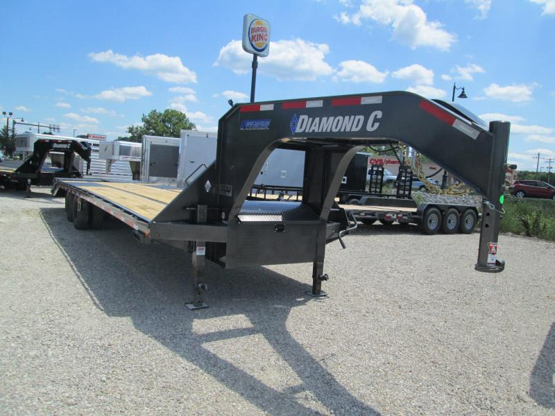 2020 27+5x102 25.9K Diamond C FMAX212 Equipment Trailer. 32492