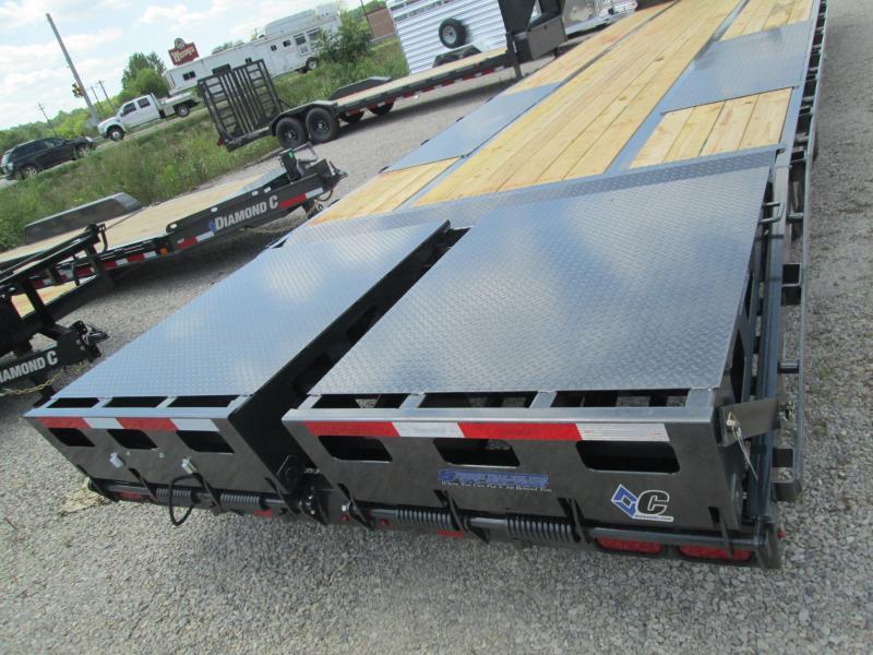 2020 27+5x102 25.9K Diamond C FMAX212 Equipment Trailer. 32492
