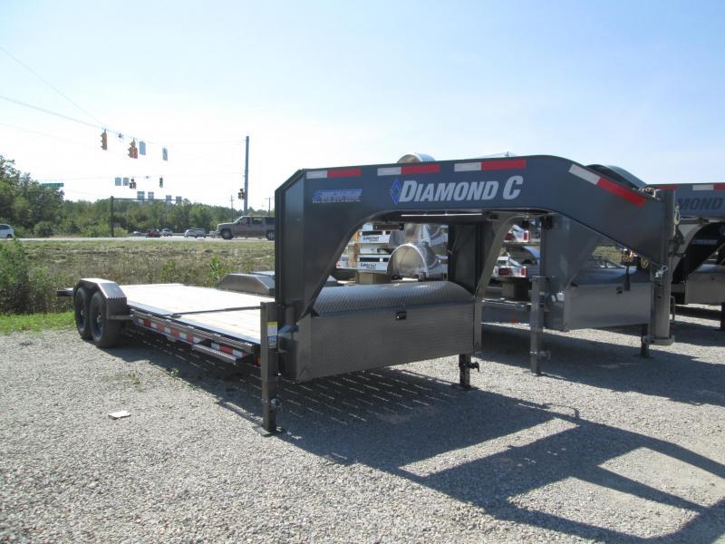 2021 8+16' 14.9K Diamond C HDT207 Equipment Trailer. 51191