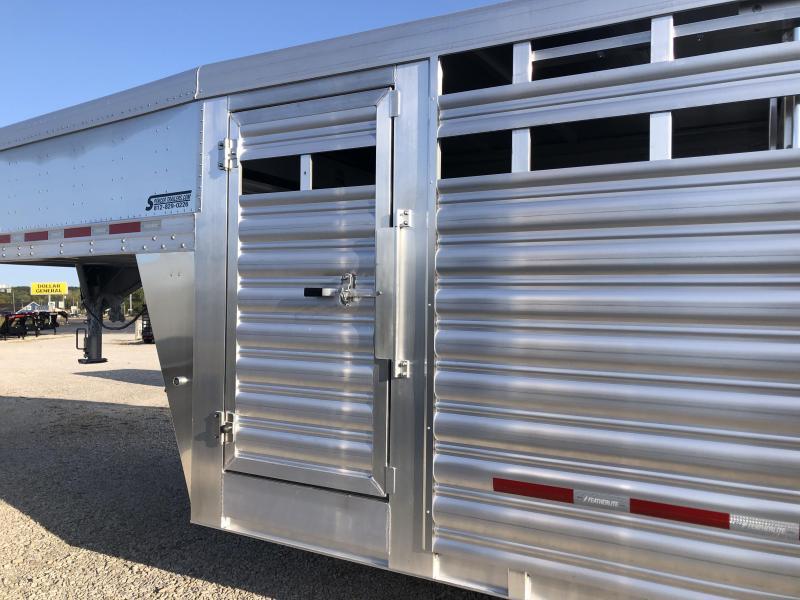 2021 24' 14K Featherlite 8127 with SIDE RAMP Gooseneck Livestock Trailer. 154595